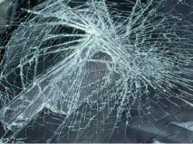 b_250_160_16777215_00_images_2014_b_858586-una-fractura-de-parabrisas-de-un-coche-en-un-accidente_Custom.jpg