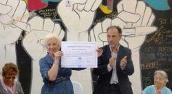 b_250_160_16777215_00_images_2014_j_nota-762978-este-hecho-historico-unico-dijo-estela-carlotto-recibir-doctorado-honoris-causa-unam-130410055654.jpg