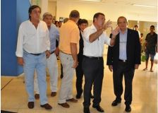 b_250_160_16777215_00_images_2016_b_Ministros_en_el_Hospital_Escuela_10-min.JPG