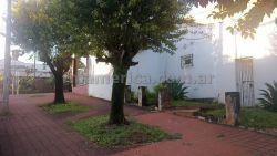 A la derecha, el ingreso sobre calle Juan Jose Paso
