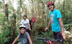 b_250_160_16777215_00_images_2017_bebe_iguazu_bike1_Custom-min.jpg